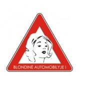 """Lipdukas """"Blondinė automobilyje"""""""